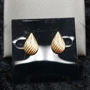 14k gold vintage earrings